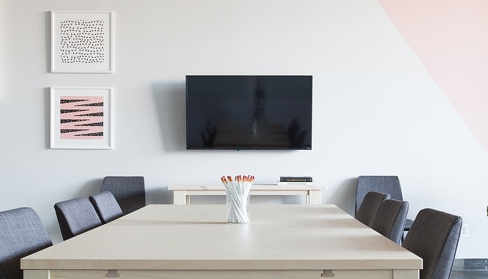 6 Best 32-Inch TVs with 1080p Resolution (Review) - EnergyBoom